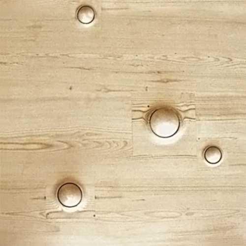 Tastflächen für Behinderteneinrichtungen und Kindergärten. Die Holzbälle dieses Objektes sind in der Fläche kugelgelagert und nicht herausnehmbar. Die Tastflächen können mit Händen und Füßen
